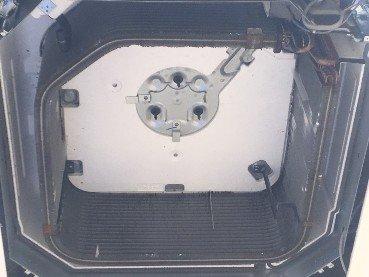 業務用エアコンクリーニング現場写真:美容室様の天井埋込み形エアコンの熱交換器全体写真